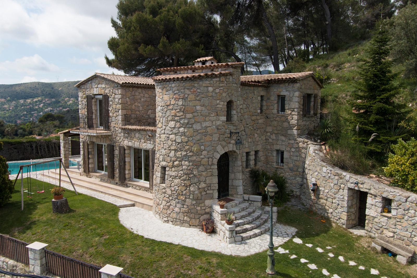 maison vendre nice vente villa cannes achat villa c te d 39 azur. Black Bedroom Furniture Sets. Home Design Ideas