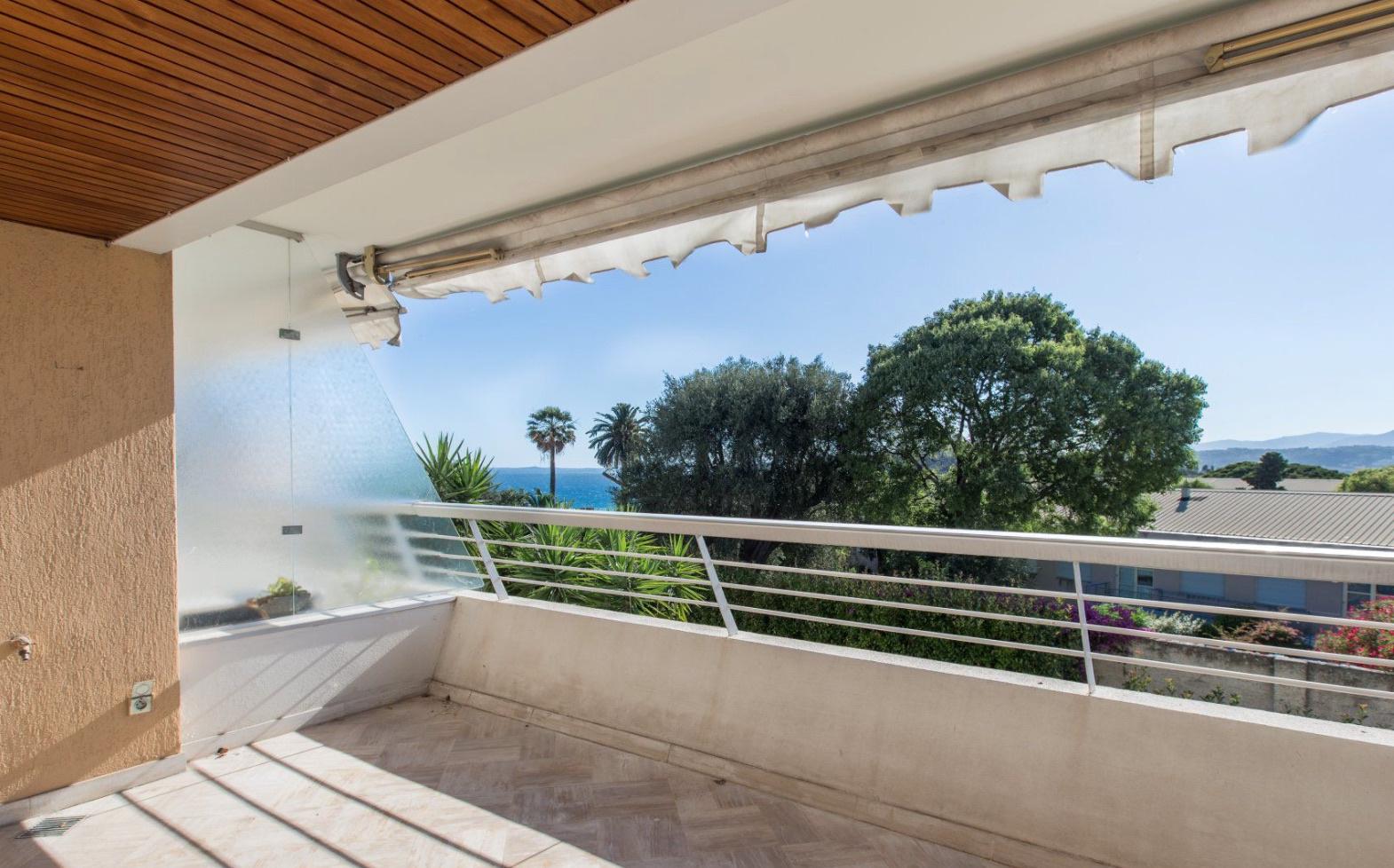 Vente nice mont boron 3p 60m2 terrasse piscine for Piscine nice